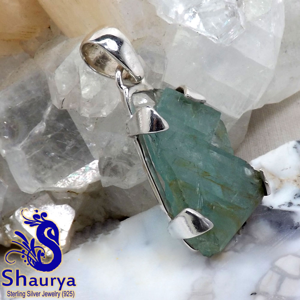 AQR967-Beautiful Pendant Natural Aquamarine Rough Gemstone Wholesale Made In 925 Sterling Silver