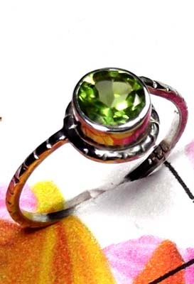 Low cost Peridot silver Ring-ILR046