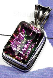 Creative Mystic Quartz Pendant-IP004