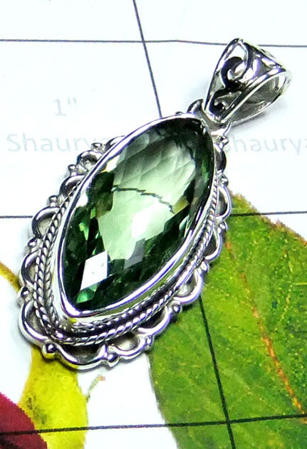 Beautiful Pendant with Green Amethyst-IP073