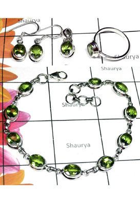 Faceted peridot gems silver Set-ISET025
