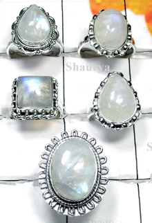 W2CBR997-700 gm-Beautiful Rainbow Moonstone Rings