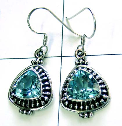 Beautiful Triangle Blue topaz earring-ss4e097