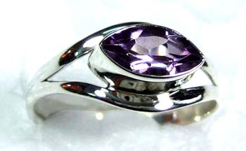 Beautiful small Ring-ss4r069