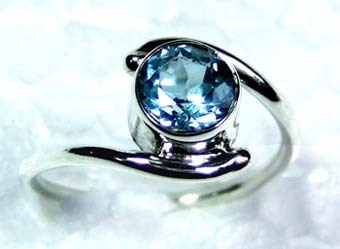 Beautiful small Ring-ss4r072