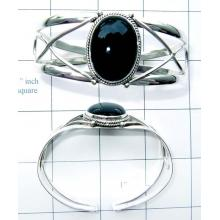 Onyx with Silver gems Bangle-JSBN003