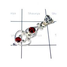 Beautiful Cut Garnet Casting Pendant-S12P013