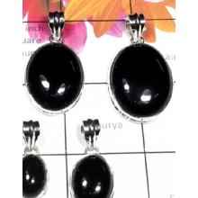 W2GBO997-250 gm-Wholesale Plain Silver Black Onyx Pendants
