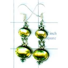 A unique silver gemstone earrings of handmade product-w9e003